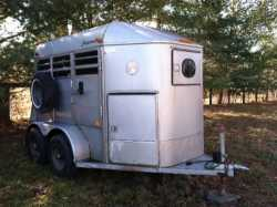 2 Horse Chapparral Horse Trailer BP Pulls Great